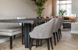Phòng ăn by choc studio interieur