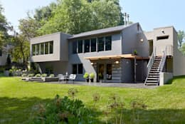 East Jefferson: modern Houses by KUBE Architecture