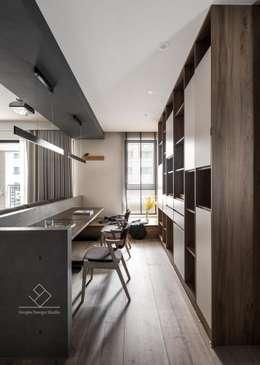開放書房:  書房/辦公室 by 極簡室內設計