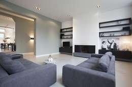 Salon de style de style Moderne par Thijssen Verheijden Architecture & Management
