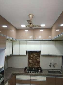 kitchen: modern Kitchen by KUMAR INTERIOR THANE