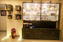 Mr. Kishan InduFortuneCity: modern Bedroom by Ghar Ek Sapna Interiors