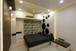 Mr.Ram & Mrs.Lajja Sanghvi: modern Bedroom by PSQUAREDESIGNS
