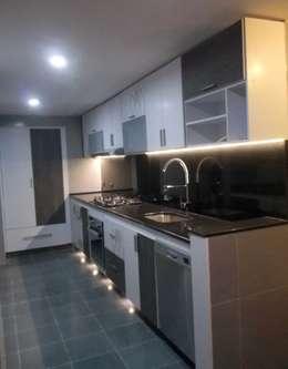 cocina integral, Rosales Bogotá.: Cocinas integrales de estilo  por Omar Interior Designer  Empresa de  Diseño Interior, remodelacion, Cocinas integrales, Decoración