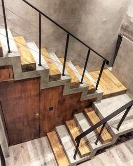 Casa ES: Escaleras de estilo  por FAARQ - Facundo Arana Arquitecto & asoc.