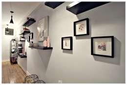 The Eclectic Hall: Corredores e halls de entrada  por RG Home Stylist