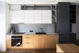 Matt finish kitchen:  Kitchen units by Rebel Designs