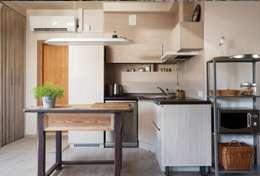 Only kitchens: modern Kitchen by Rebel Designs