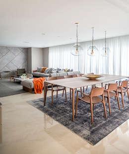 Apartamento: Salas de jantar modernas por Spengler Decor