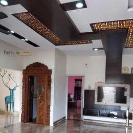 Mr Mahesh Ashwath: modern Living room by Pebblewood.in