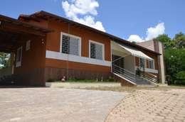 A fachada: Casas campestres por Solange Figueiredo - ALLS Arquitetura e engenharia