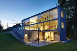 minimalistisches juwel aus beton und glas in d sseldorf. Black Bedroom Furniture Sets. Home Design Ideas