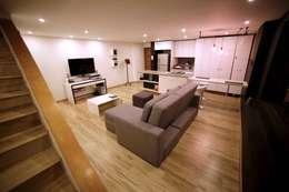 APARTAMENTO GP-43: Salas de estilo ecléctico por RIVAL Arquitectos  S.A.S.