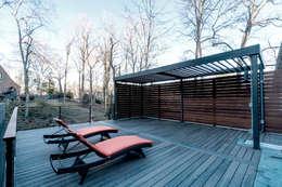 Chesapeake:  Patios & Decks by KUBE Architecture