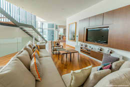 Family Room: modern Media room by MJKanny Architect
