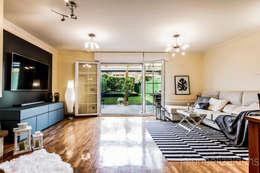 Estilismo y fotografia Unifamiliar en Gorraiz: Salones de estilo clásico de jaione elizalde estilismo inmobiliario - home staging