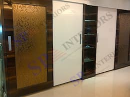 Vibha Hegde: modern Dressing room by SP INTERIORS