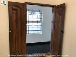 Mr Vodur Reddy's Villa:  Corridor & hallway by Archstone Ventures
