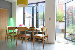 Theatre director's house in Clifton, Bristol: modern Dining room by Dittrich Hudson Vasetti Architects