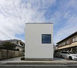 ハコ型の外観: 石川淳建築設計事務所が手掛けた木造住宅です。