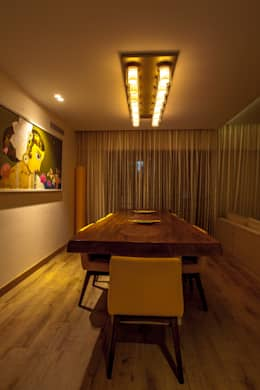 Lissy: modern Dining room by Design Dna