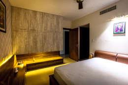 Lissy: modern Bedroom by Design Dna