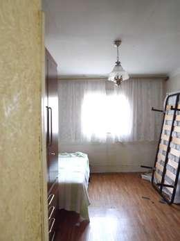 Dormitorio principal antes: Dormitorios de estilo escandinavo de Almudena Madrid Interiorismo
