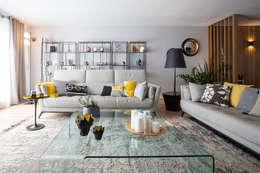 Appartement BORDEAUX Wilson: Salon de style de style Moderne par Julie Chatelain