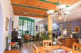 Comedor: Comedores de estilo mediterraneo por Bojorquez Arquitectos SA de CV