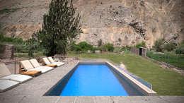 Casa ''La Pendiente'': Piscinas de estilo moderno por Artem arquitectura