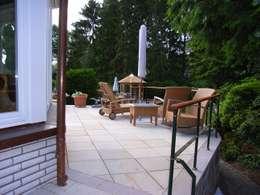 Terrasse:  Terrasse von Meyerfeldt Architektur & Innenarchitektur