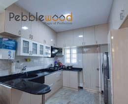 Sriharsha - Ullal - Bangalore: modern Kitchen by Pebblewood.in