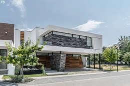 PROYECTO V-17: Casas de estilo minimalista por ARQDUO