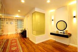 Raflessia: classic Bedroom by Hatch Interior Studio Sdn Bhd