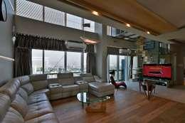 Living Rooms: minimalistic Living room by Design Paradigm