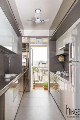 Interior: modern Kitchen by Hinge architects