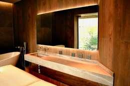 Interiorismo: Baños de estilo  por Structure Diseño & Arquitectura