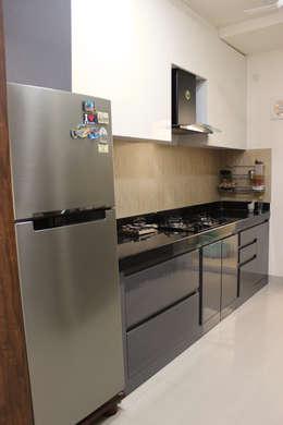 Apartment Interior : modern Kitchen by URBAIN DEZIN STUDIO
