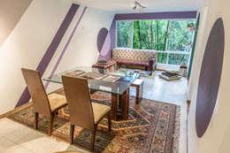 SALA Y COMEDOR : Salas de estilo moderno por Aluzina