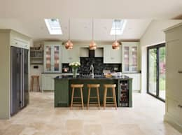 Canterbury | A Vision In Green : classic Kitchen by Davonport