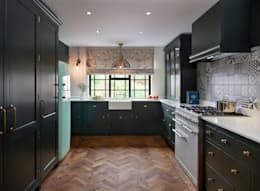 Holkham | Rural Meets Urban: classic Kitchen by Davonport