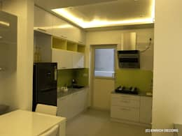 Modular Kitchen:  Built-in kitchens by Enrich Interiors & Decors