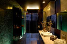 Residential Interior: modern Bathroom by Jeearch Associate