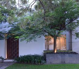 Jardinería.: Casas unifamiliares de estilo  por Stuen Arquitectos