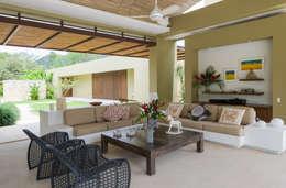 Zona social: Salas de estilo moderno por NOAH Proyectos SAS