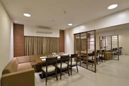 ICICI GUEST HOUSE MUMBAI: modern Dining room by smstudio