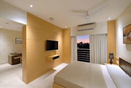ICICI GUEST HOUSE MUMBAI: modern Bedroom by smstudio
