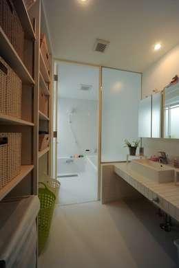 浴室: 石川淳建築設計事務所が手掛けた浴室です。