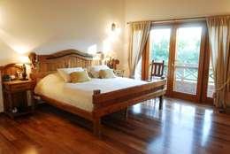 Country Normando: Dormitorios de estilo clásico por CIBA ARQUITECTURA