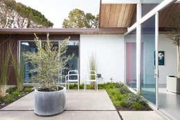 Nhà by Klopf Architecture